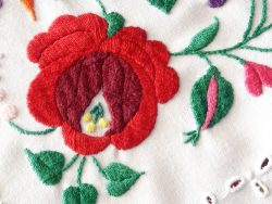 Can Sewing Machines Do Embroidery