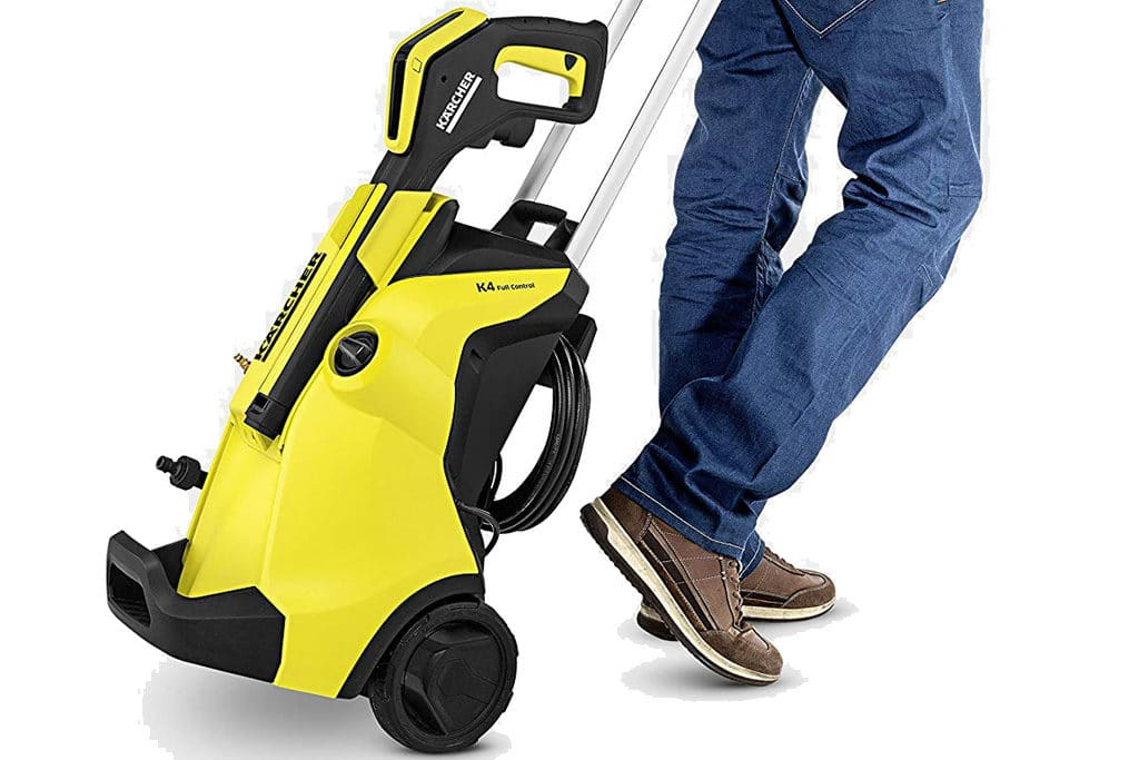 man pulling on the handle of the portable K4